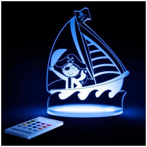 Piratskib LED natlampe